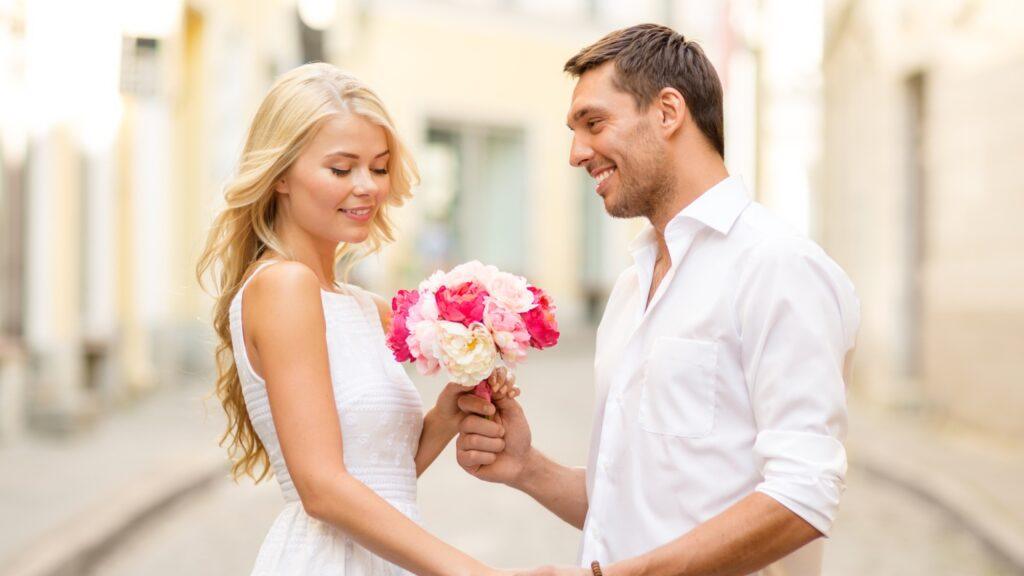 После какого периода знакомства стоит вступать в серьезные отношения?